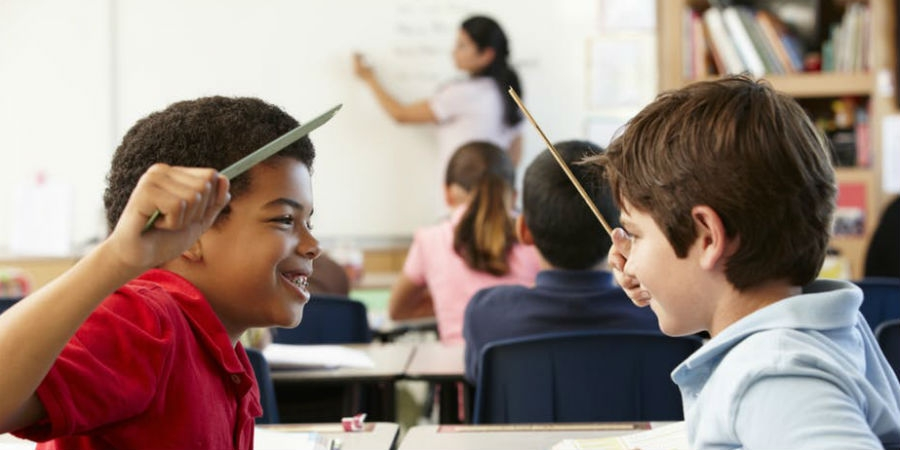 Τα προβλήματα συμπεριφοράς των μαθητών που αντιμετωπίζουν οι εκπαιδευτικοί στην τάξη.